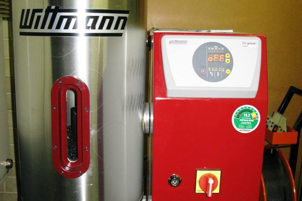susilni-stroj-wittmanE0171870-B229-613C-6F02-414D47FED355.jpg